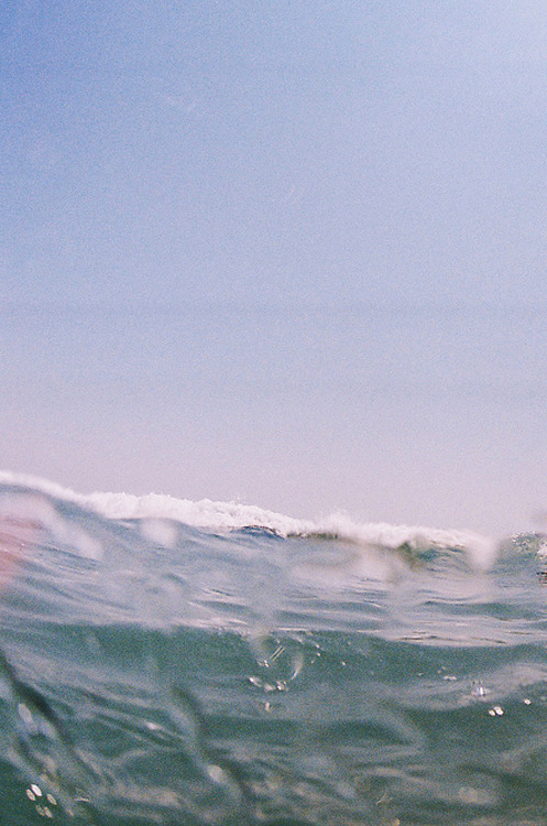 kevvn:  waves by (wiissa)