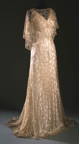 omgthatdress:  Evening Dress 1933 The Philadelphia Museum of Art