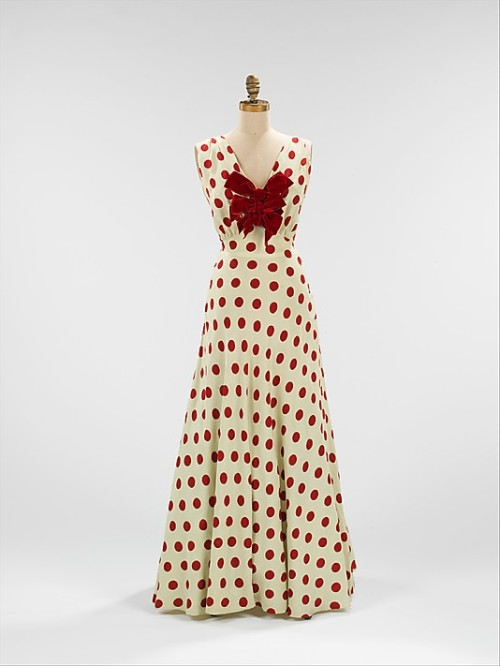 omgthatdress:  Evening Dress 1935 The Metropolitan Museum of Art