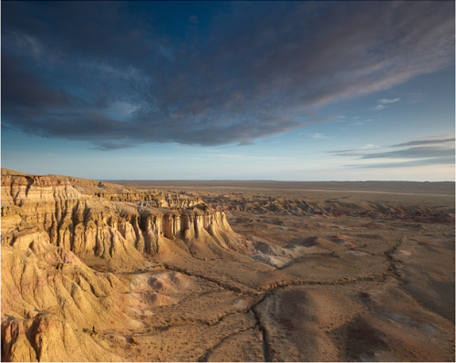 Gobi desert, Mongolia. Photo by David duChemin. Part of a cool tutorial on digital photo adjustments.
