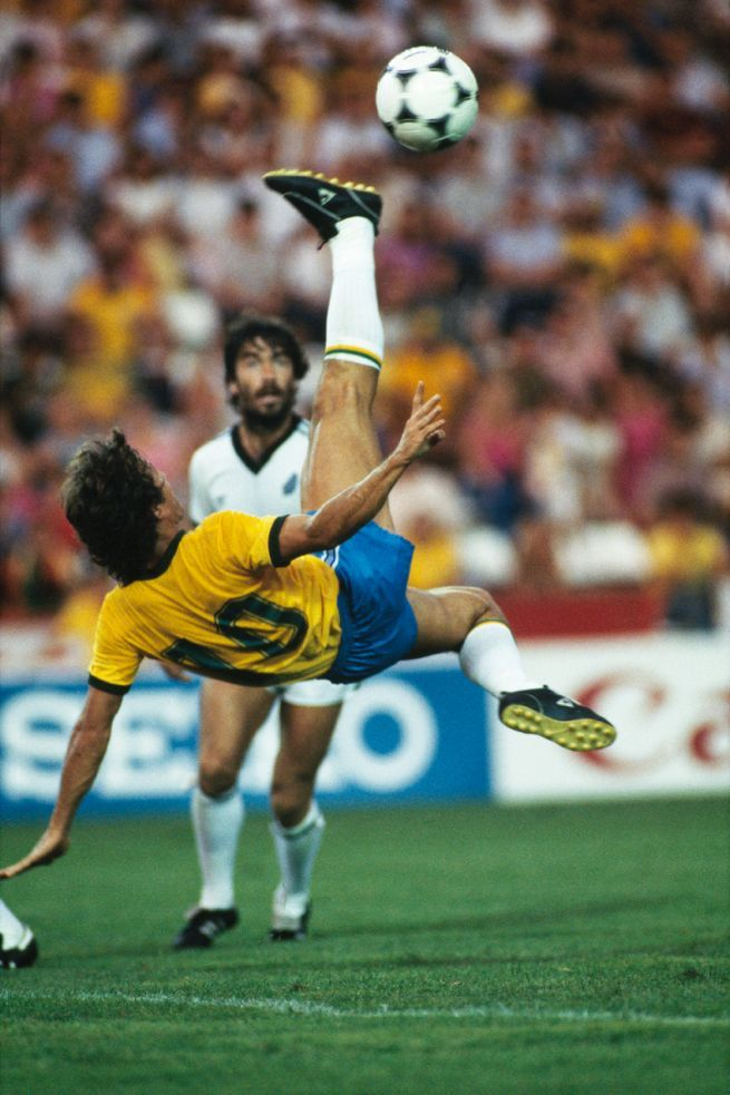 Zico's first attempt to score off an acrobatic volley… this one went wide but he would score spectacularly on his next try. Brasil v New Zealand, World Cup '82.Source: Sapere