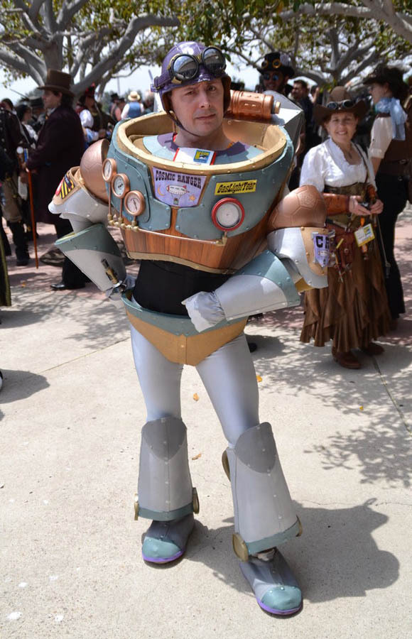briannacherrygarcia:  rjthecunning:  Steampunk Buzz Lightyear at the 2012 San Diego Comic Con