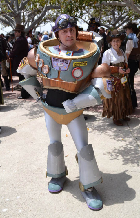 rjthecunning:  Steampunk Buzz Lightyear at the 2012 San Diego Comic Con