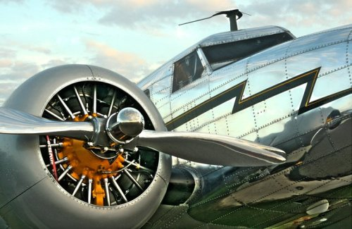 retrospectivecivilaviation:  The Lockheed Electra from the 2009 movie Amelia with Hilary Swank.