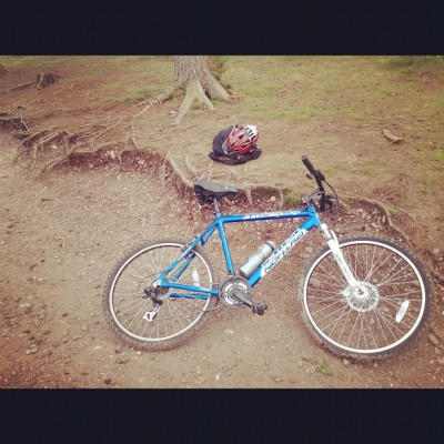 Earned my rest, even though its a mountain bike trust me when i say this bike is not designed for these trails. Riding here is waaaaay harder than it actually looks #nike #biking #fitness #exercise  (Taken with Instagram)