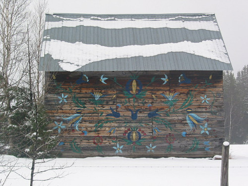 a painted barn by knitalatte11 on Flickr.