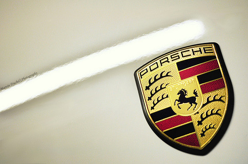 "Emblema PORSCHE ! _______________________________  Ruote LatinaRuote Italia Il portale ospita aziende, uomini e piloti e vuol essere un luogo di incontro tra quanti vivono le ""ruote"", qualunque esse siano, con passione, consci del valore che l'invenzione della ruota ha rappresentato per l'umanità tutta. Seguiteci con attenzione, non ve ne pentirete.  Wheels Latina      Wheels  Italy The portal hosts companies, pilots and men and wishes to become a meeting place between those who live the ""wheels"", whatever they are, with passion, conscious of the value that the invention of the wheel has been for all of humanity. Follow carefully, you will not regret. Please Follow: http://www.ruotelatina.com ruotelatina@gmail.com  Guarda tutti i Blog"