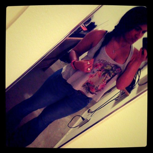 Yes i dont wear skinnys no more #flarepants #jeans #out  (Taken with Instagram)