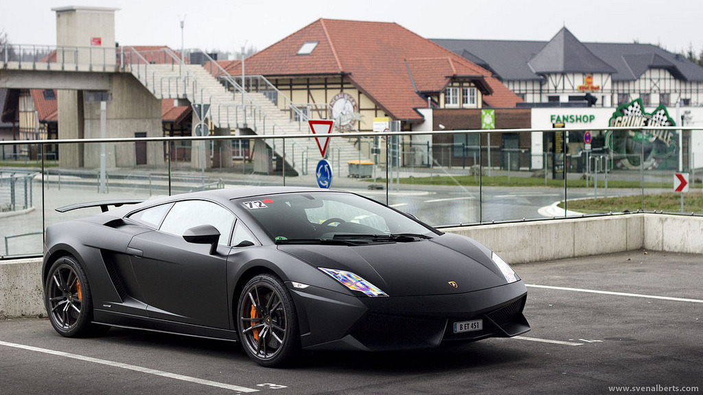 automotivated:  Superleggera (by Sven A)