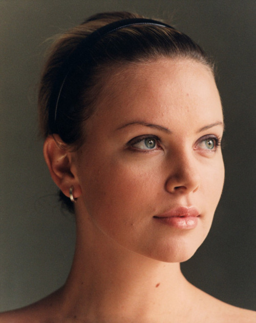 bohemea:  Charlize Theron
