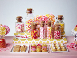 moepaka:  Miniature Candy Dessert Table by PetitPlat - Stephanie Kilgast on Flickr.