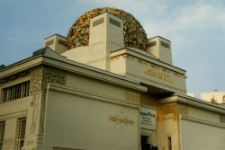 Secession Building, Vienna [arch. Josef Maria Olbrich] A curiously elaborate little building. But you can't go past a golden sphere. Or cabbage, as the case may be.
