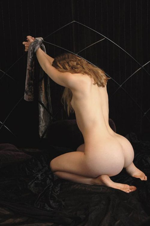 "genre-bdsm-kinky:  ""SUBMISSIVE WOMAN""  More beautiful (submissive) women in GENRE Blog  o http://genresub.tumblr.com  ENJOY IT!!!  TOTAL VIEW: http://genre-bdsm-kinky.tumblr.com/archive"
