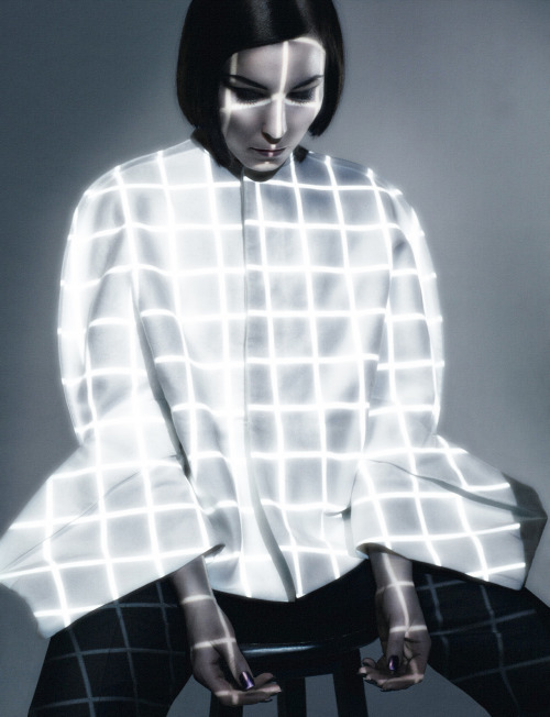 aristagoras:  Noomi Rapace by Sølve Sundsbø Dazed & Confused June 2012
