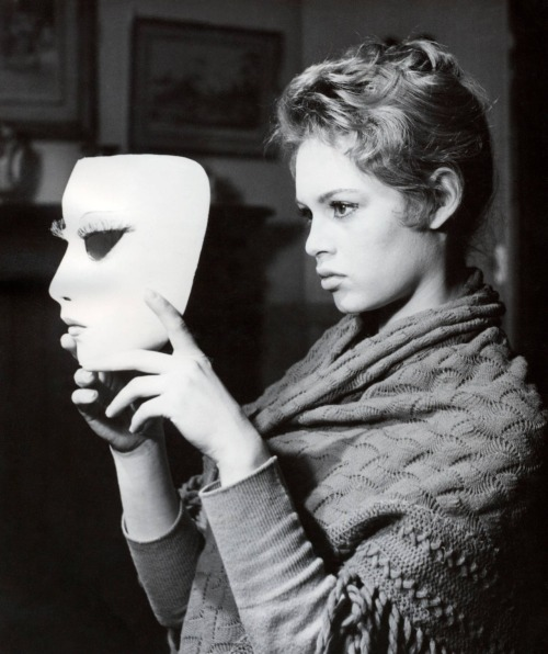 The woman and the mask, Brigitte Bardot
