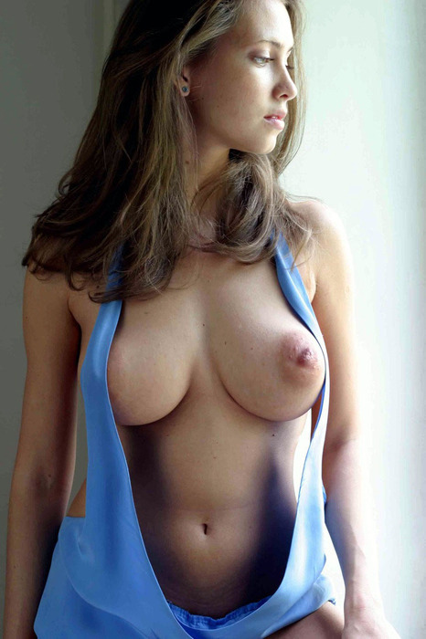 dirty-flix:  tittys r perfect