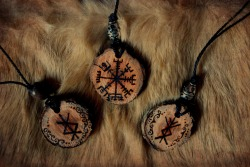 neirahda:  Vegvisir and birdrunes pendants, available at my Etsy.My facebook page. Wow, they look amazing!