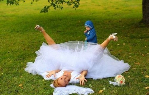funfoever:  fail wedding photo (via We need more fun for our boring life | TheFailBlog.org)