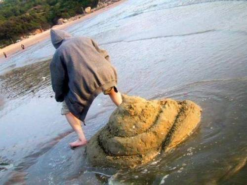 funfoever:  fail beach photo (via We need more fun for our boring life | TheFailBlog.org)