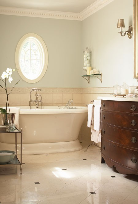 chic neutral bathroom