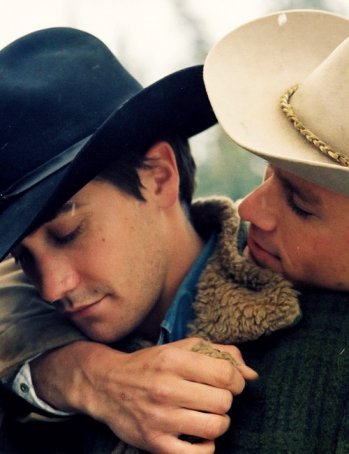 missdontcare-x:  Jake Gyllenhaal & Heath Ledger in Brokeback Mountain.
