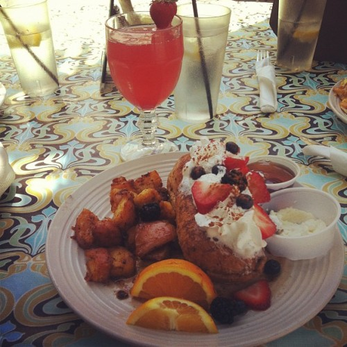 #Raspberry #Mimosa & #FrenchToast :) #DownTownFullerton #breakfast #iphoneonly   (Taken with Instagram)