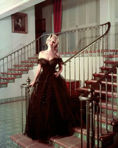 1951: Marilyn Monroe by John Florea.
