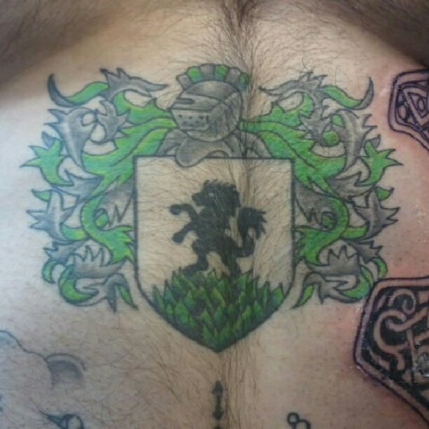 #familycresttattoo #familycrest #tattoo #tattoos #missingpiecetattoo #downersgrovetattooco #honortattoo #honor #cresttattoo #crest #colortattoo (Taken with Instagram at Missing Piece Tattoo)