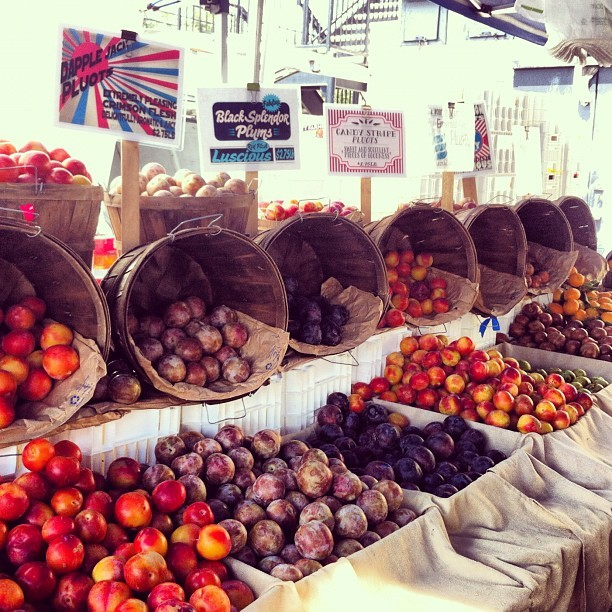 Beautiful plums during a farmer's market jaunt with @hippojenn (Taken with Instagram at Larchmont Village Farmer's Market)