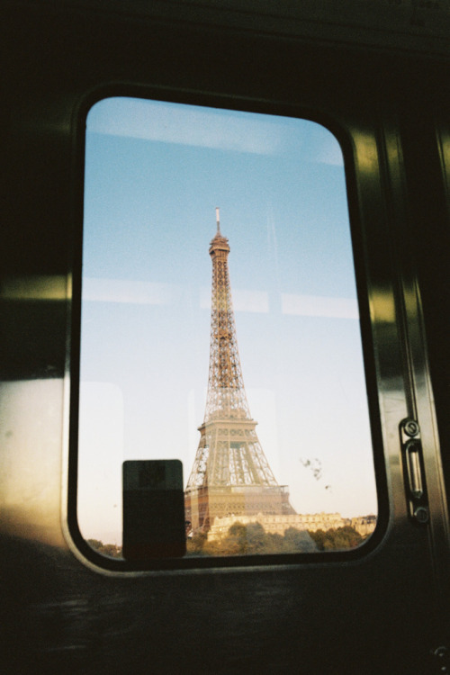 sexternal:  skateg0at:  i wanna go paris  (via imgTumble)