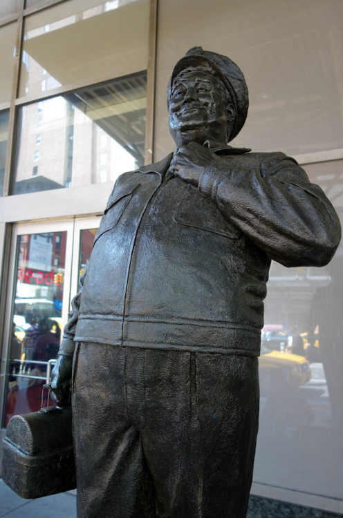 laughingsquid:  Ralph Kramden Statue at New York City's Port Authority Bus Terminal  Reblogging for Greg 'cause his dad's the reason this awesome statue is at Port Authority. :)