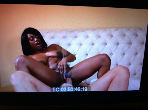 I believe that @the_Jada_Fire's scene w/@ChristianXXX1 in The Expert Guide to Female Ejaculation was one of her last ones before she retired from porn. Can you see her ejaculate?