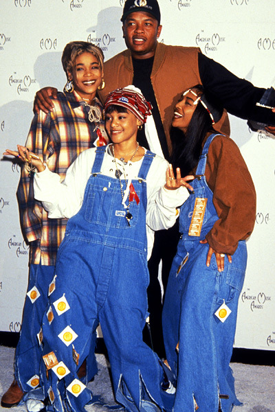 ajcertified1:  TLC and Dr.Dre from 1993 American Music adwards http://ajcertified1.tumblr.com
