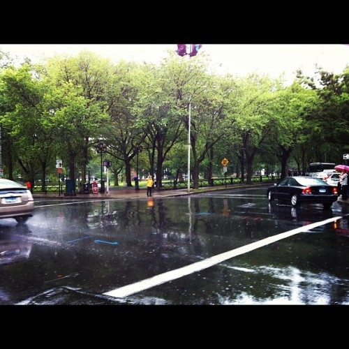 New Haven'a #yağmur bir başka yakışıyor…. #rain #newhaven   (Taken with Instagram at New Haven, CT)