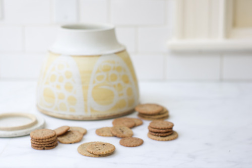 (via Whole Bean Vanilla Cookies Recipe - 101 Cookbooks)