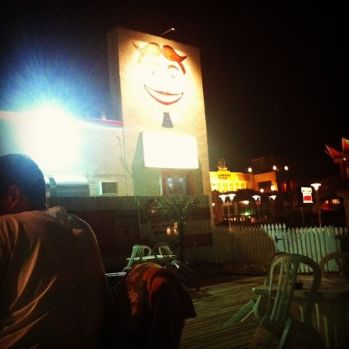 Wonder bar #tilly #asburypark  #bar #happy #sundayfunday (Taken with Instagram)