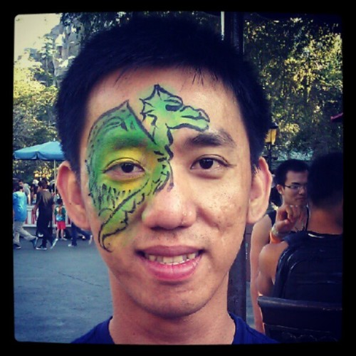 Rofl!!! Khuong got #facepainted #disneyland #fuckyeah (Taken with Instagram)