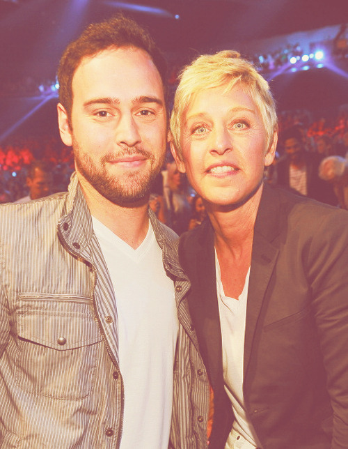 lovelydrewz:  Scooter and Ellen at the 2012 TCAs