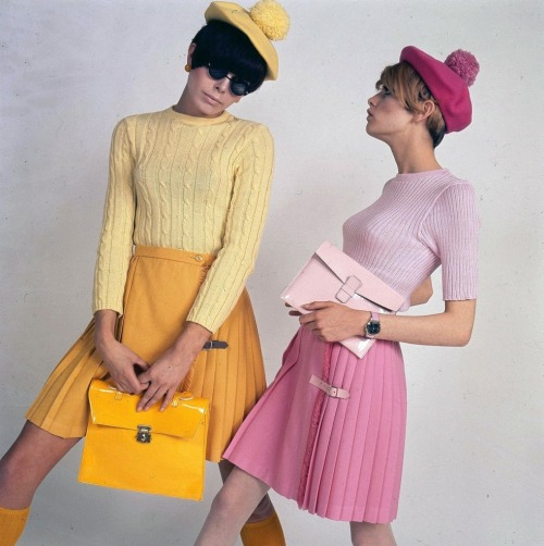 Twiggy and Peggy Moffitt