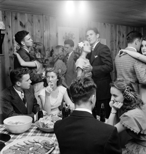 "rose-red-lips:  lostsplendor:  ""Teenagers at a party in 1947 in Tulsa, Oklahoma"" via LIFE"