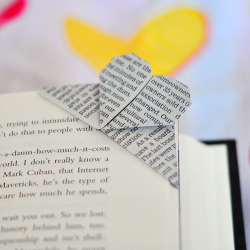 Origami Heart Corner Book Mark via The Cheese Thief