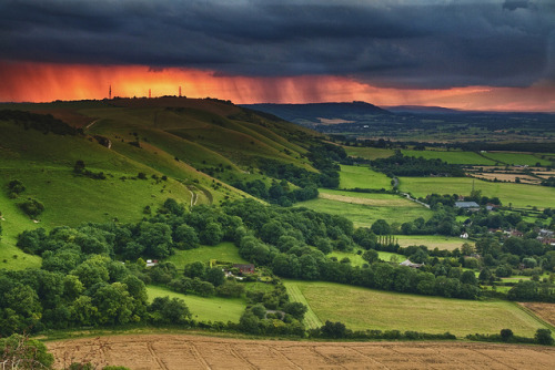 tropicalism:  Sunset after cloudburst on South Downs from Devils Dyke [Explored] by JamboEastbourne on Flickr.