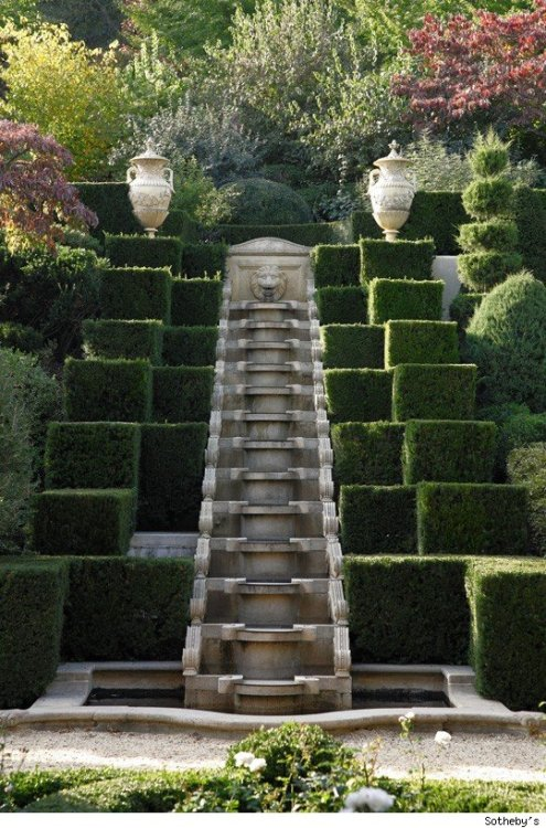 wonderfulpalmettolife:  garden at Albemarle House, Charlottesville, Va.