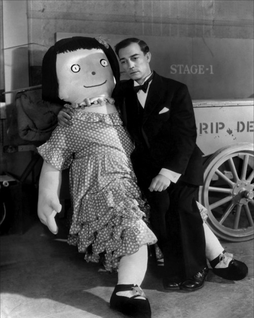 laughingsquid:  Buster Keaton