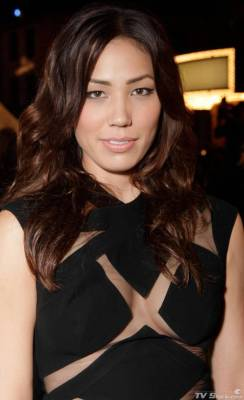 Michaela Conlin-Chinese mother and an Irish father