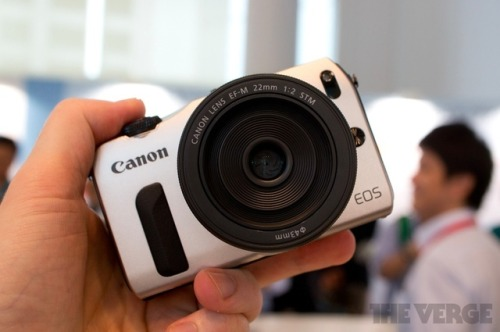 Canon EOS M hands-on preview (update: video)