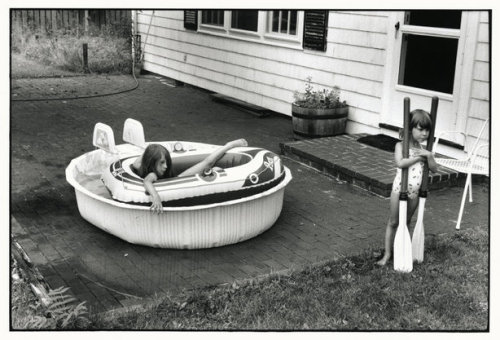 EAST HAMPTON, N.Y.—1984. © Elliott Erwitt