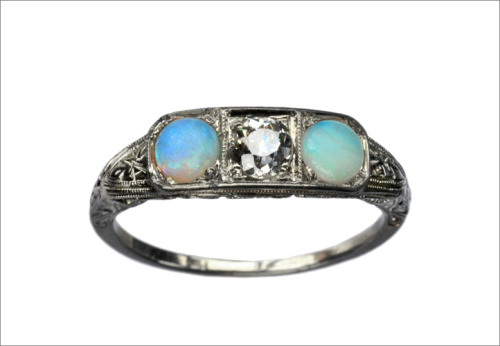 eriebasin:  1920s Art Deco Opal & Diamond Ring (in the online shop)