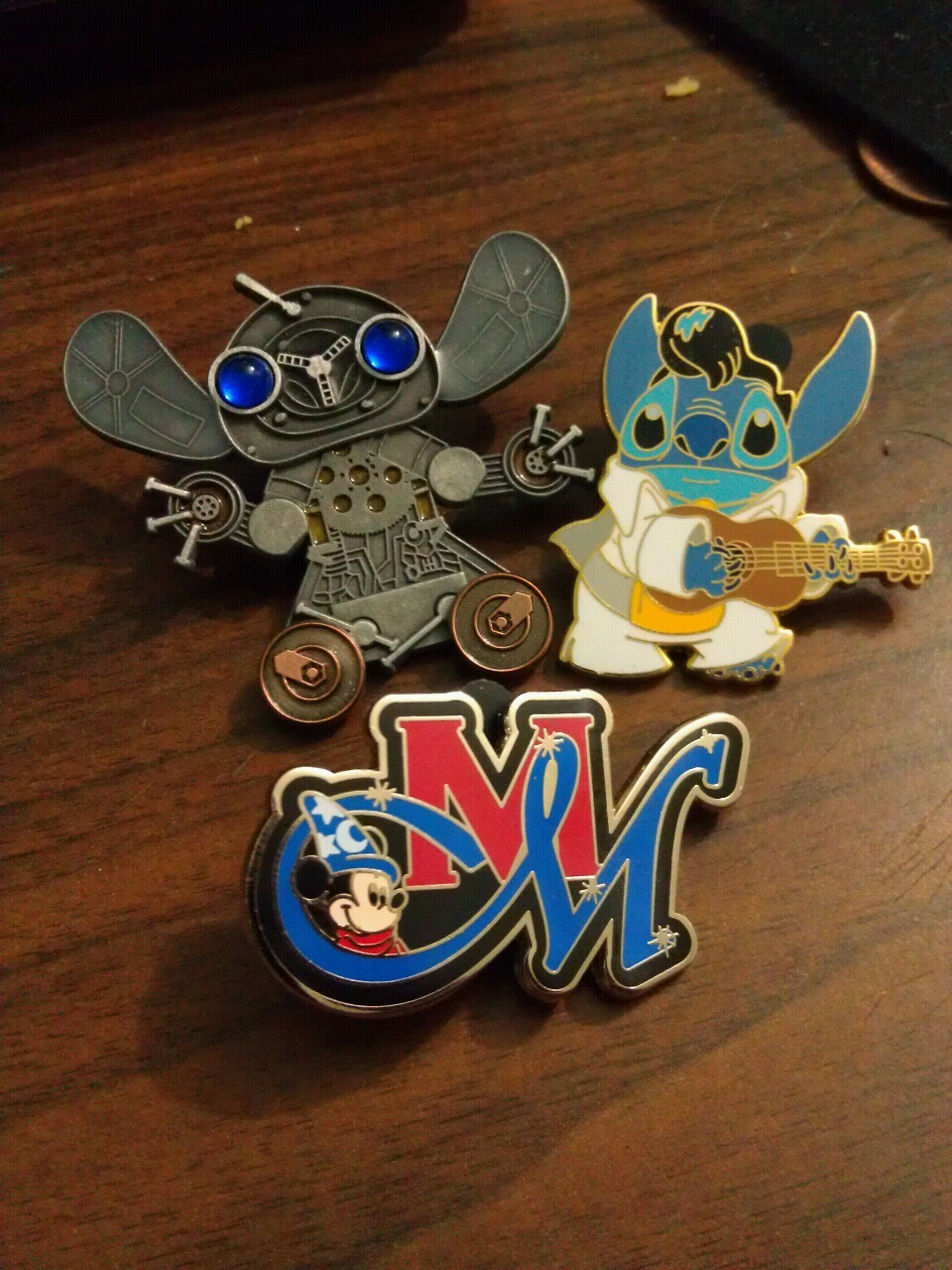 Stitch pins and cast member pin.  #disney #pins