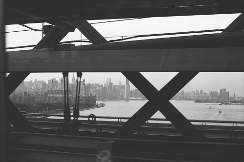 passing / williamsburg bridge